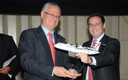 Driss Benhima, PDG de Royal Air Maroc et Stéphane Mayer, Président d'ATR.