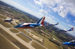 Crash d'un avion de la patrouille de France, le pilote blessé