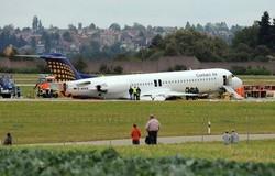 Atterrissage sur le ventre en 2009 en Allemagne d'un avion Fokker100