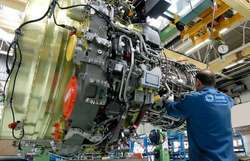Farnborough 2010: Snecma et Royal Air Maroc signent un contrat pour la réparation de CFM56-7B
