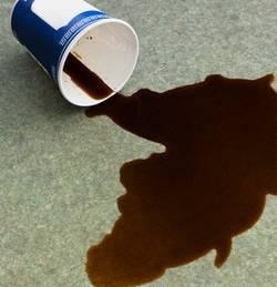Atterrissage d'urgence à cause d'un café renversé