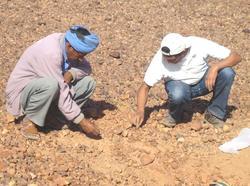 Un cratère d'impact découvert sur la coline Toufassour au Maroc