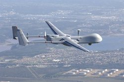Le drone Harfang, commandé depuis la Sicile, surveille la Lybie