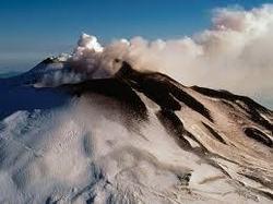 L'Etna se réveille, le trafic à l'aéroport de Catane perturbé