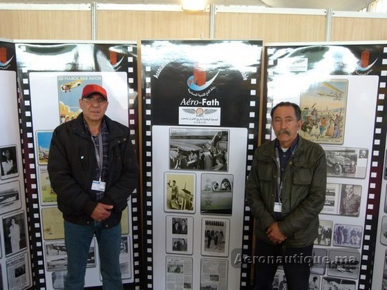 Mr Temsamani et Mr Tahari au stand de l'association au Marrakech Airshow 2012