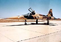 L'avion de chasse F-5 A