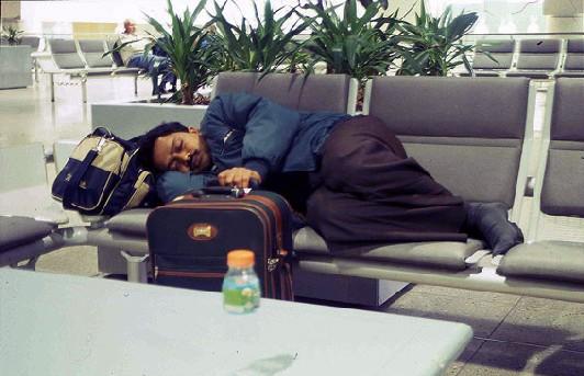 Dormir au pied des avions!