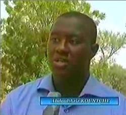 """Un Nigérien fait voler son """"drone"""" dans le ciel de Niamey"""