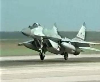 Les premiers MIG-29 arrivent en Algérie