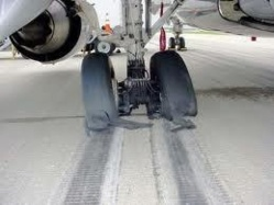 L'éclatement des deux pneus d'un avion d'Air Algérie bloque l'aéroport Marseille-Marignane