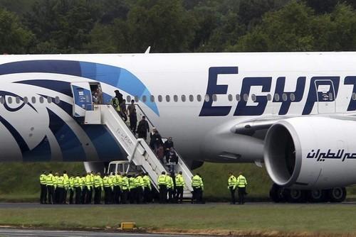 Atterrissage d'urgence d'un avion d'Egyptair à cause d'une note suspecte dans les toilettes