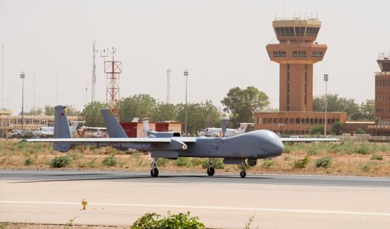 Sur la piste de la base militaire de Marrakech