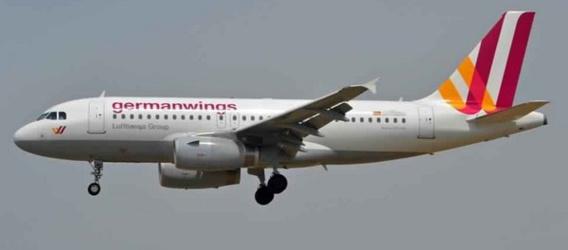 Le crash d'un A320 de la compagnie allemande Germanwings fait 150 morts
