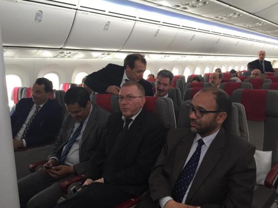 Des députés marocains testent le nouveau Boeing Dreamliner 787 de Royal Air Maroc
