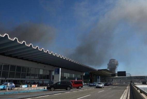Italie: Fermeture de l'aéroport de Rome-Fiumicino après un incendie