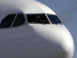 Fissure d'un pare-brise d'un B737-600 d'Air Algérie au dessus de la méditérannée