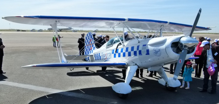 L'avion Starduster SA300, biplan américain fabriqué dans les années 50