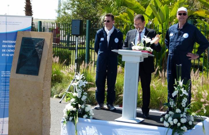 Les deux pilotes accueillis par Mr Eloufir, DG de l'ONDA