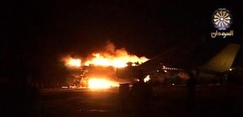 Plus de 100 morts dans un avion en feu à l'aéroport de Khartoum