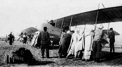 Henri Farman HF 20 de l'escadrille du Maroc en escale à Tozeur, le 27 février 1913