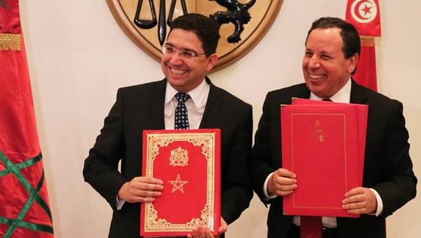 Le ministre marocain des Affaires étrangères Nasser Bourita et son homologue tunisien Khemaies Jhinaoui
