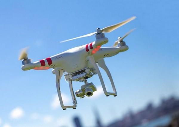 La France réglemente l'utilisation du drone. Au Maroc, il reste pratiquement interdit.