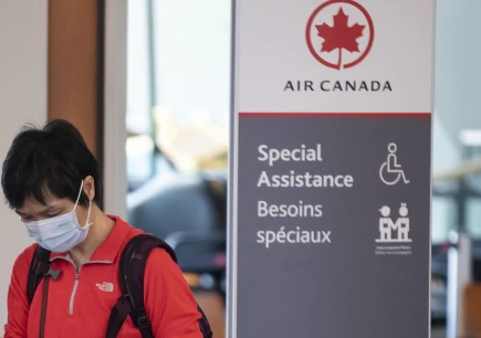 Covid-19: Air Canada rend obligatoire le port du masque pour ses clients et son personnel naviguant