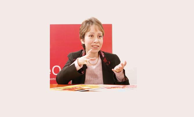 Habiba Laklalech, nouvelle directrice générale de l'Office National Des Aéroports