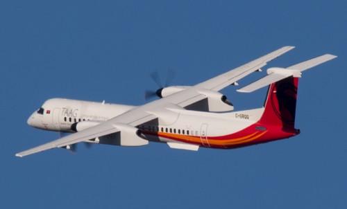 TAAG Angola Airlines reçoit le quatrième d'une commande de six avions Dash8-400