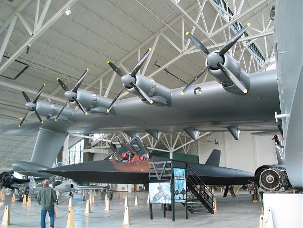 H4 Hercule: L'avion ayant la plus grande envergure au monde