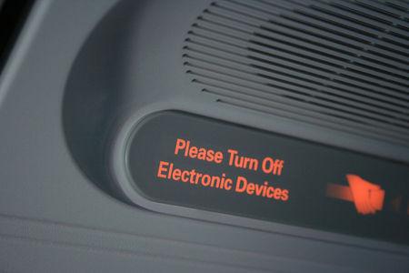 Les appareils électroniques autorisés pendant toutes les phases de vol en Europe