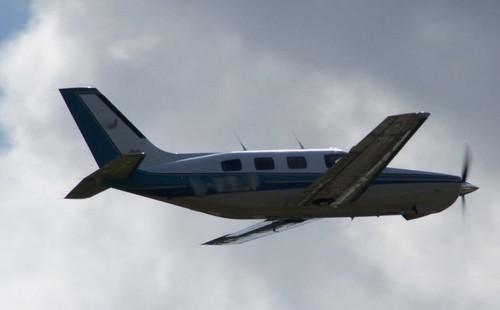 Un passager tombe d'un avion alors qu'il survole l'océan atlantique