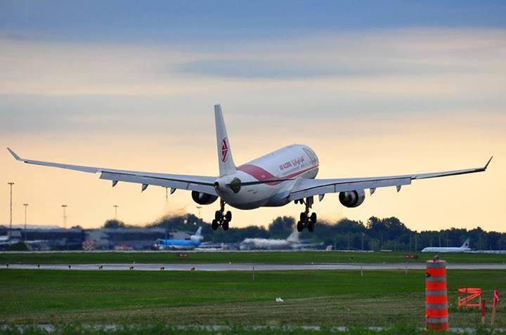 Dubaï: Air Algérie signe pour trois avions A330-200