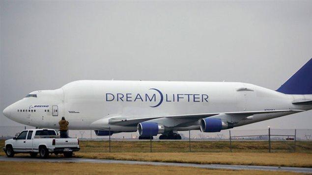 Le pilote d'un Boeing 747 atterrit par erreur dans un petit aéroport régional