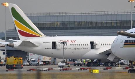 Ethiopian Airlines: Le copilote s'enferme dans le cockpit et détourne son vol vers Genève