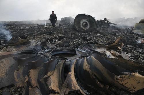 Crash du vol MH17: Les boites noires confirment une décompression provoquée par un missile