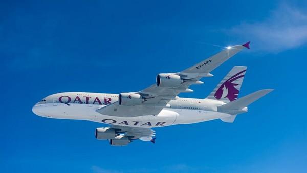 Qatar Airways reçoit le premier des treize A380 commandés à Airbus