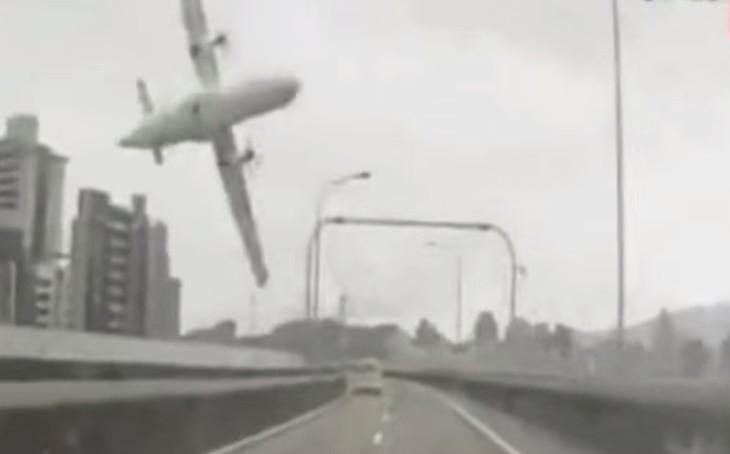Crash du vol GE235 deTransAsia Airways: Le bilan d'allourdit à 31 morts et 12 disparus