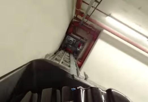 Suivez votre valise dans les labyrinthes de l'aéroport Schiphol (Vidéo)
