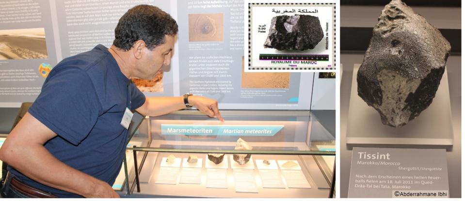 """Pr. Abderrahmane Ibhi au """"Natural History Museum"""" de Vienne montrant les 920 grammes de la météorite """"Tissint"""""""