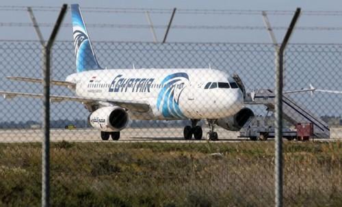 Détournement du vol MS181 d'EgyptAir et confusion sur les motivations du pirate de l'air