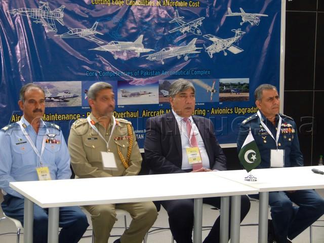 Marrakech Airshow 2016: Les pakistanais séduisent par le Pakistan Aeronautical Complex et l'avion JF-17
