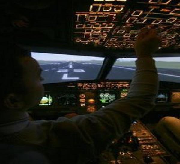 Royal Air Maroc Le Salaire D Un Pilote De Ligne En Question