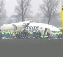 Un avion de la Turkish Airlines s'ecrase à Amsterdam