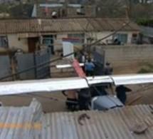Un Kenyan construit un avion de ses propres mains