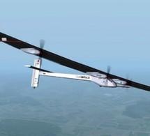 L'avion Solar Impulse parvient à rejoindre l'aéroport du Bourget