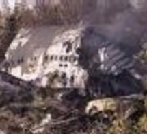 Crash d'un A320 en Russie: les secouristes repêchent des corps en mer Noire