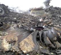 Un B777 de Malaysia Airlines s'écrase entre l'Ukraine et la Russie avec 295 personnes à son bord